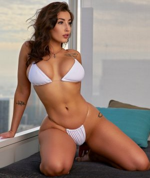 Lilline escorts in Tehachapi