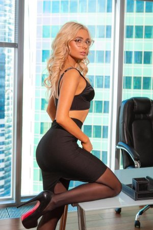 Marie-esperance incall escort in Stafford, sex club